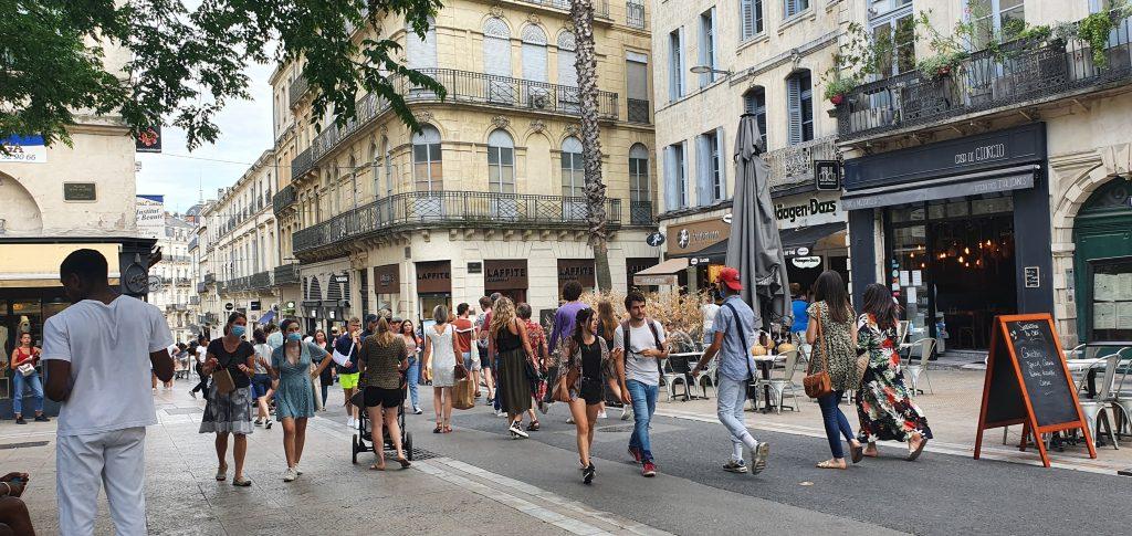 Une image contenant bâtiment, extérieur, route, rue  Description générée automatiquement